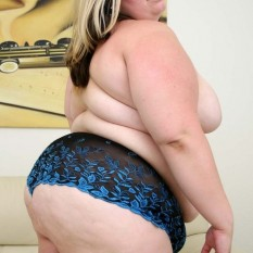 fat girls in panties 16 233x233